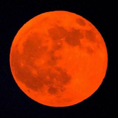 Theres a total lunar eclipse tonight and a bloodmoon athellip