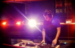 Beijo Brasileiro host K-Schef deejaying live